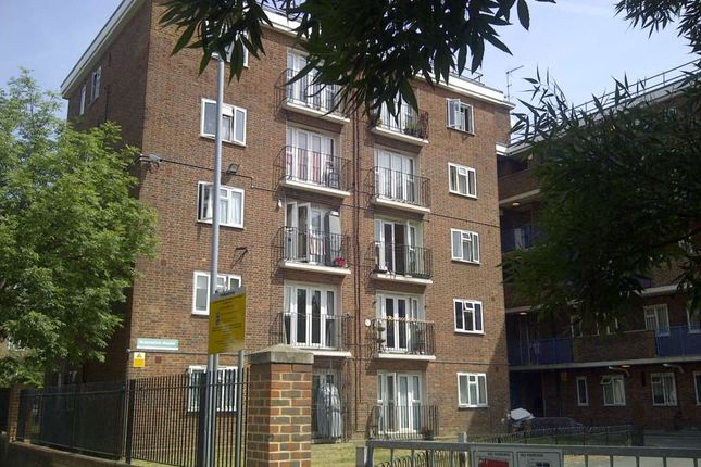 Thumbnail Flat for sale in Thurtle Road, London