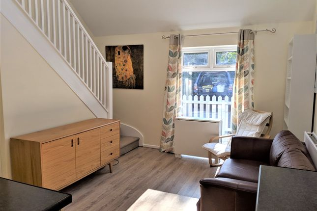 1 bed end terrace house to rent in Raven Way, Penarth CF64