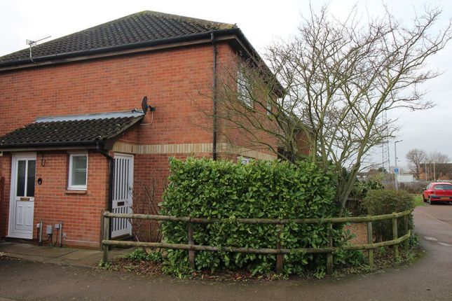 Thumbnail Property to rent in Tennyson Avenue, Biggleswade