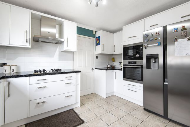 Thumbnail Link-detached house to rent in Greenacres Avenue, Winnersh, Wokingham, Berkshire