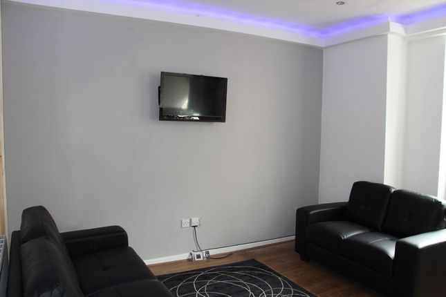Thumbnail Property to rent in Willesden Avenue, Manchester