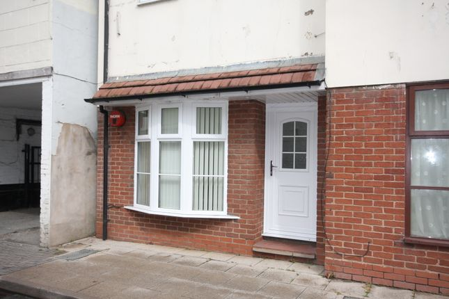 Thumbnail Flat to rent in Saxon Court, Bidford On Avon