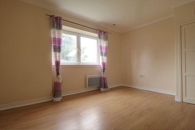 Bedroom 1 of Banchory Avenue, Glasgow G43