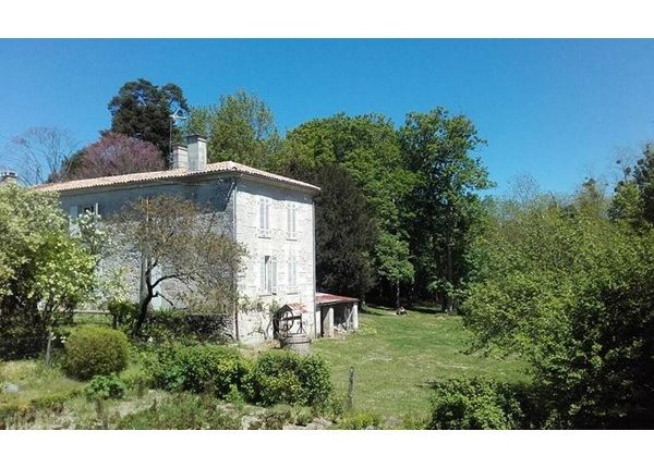 4 bed property for sale in 17610, Chaniers, Fr