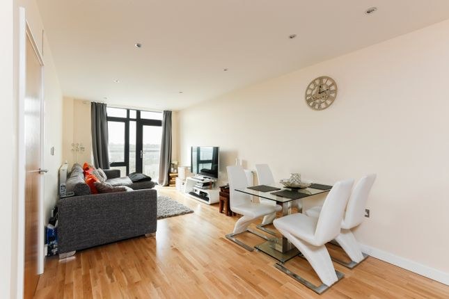 Thumbnail Flat for sale in Dunstan Mews, Enfield