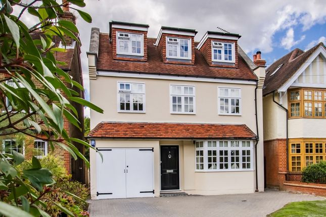 Thumbnail Detached house for sale in Baldwins Hill, Loughton