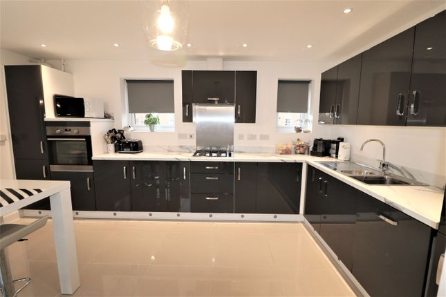 Thumbnail Detached house for sale in Heathside, Huntington, York