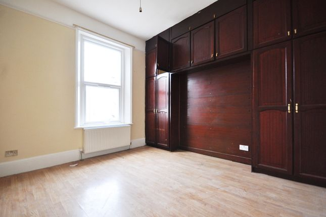 Thumbnail Flat to rent in Harrow Road, London