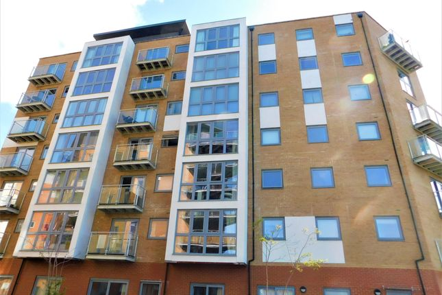 2 bed flat to rent in Keel Point, Hawkins Road CO2