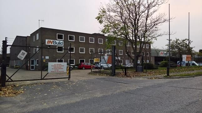 Thumbnail Office to let in First Floor Office Suite, Essex House, Josselin Road, Basildon, Essex
