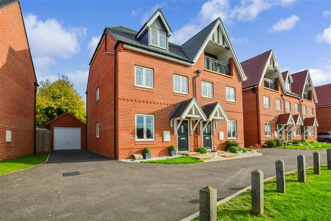 Thumbnail Town house for sale in High Street, Ongar, Essex