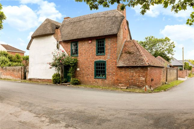 Picture No. 10 of Castlemans Lane, Hayling Island, Hampshire PO11