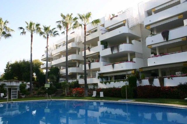 2 bed apartment for sale in Spain, Málaga, Marbella, Río Real