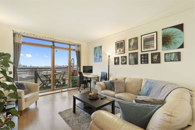 1 bed flat for sale in Faraday Lodge, Renaissance Walk, London