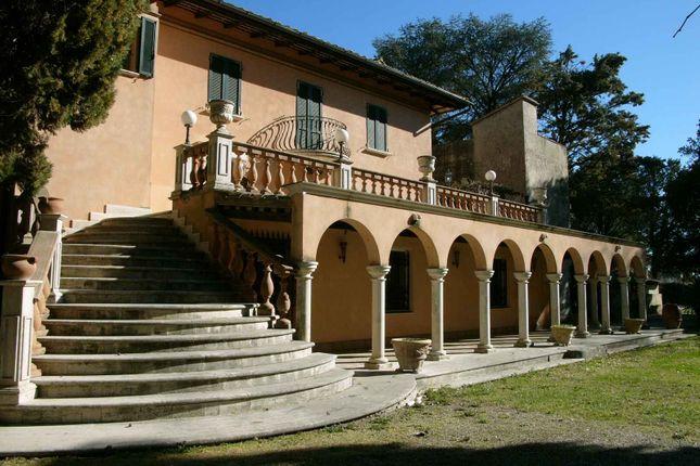 Thumbnail Villa for sale in Torchigiana, Assisi, Perugia, Umbria, Italy