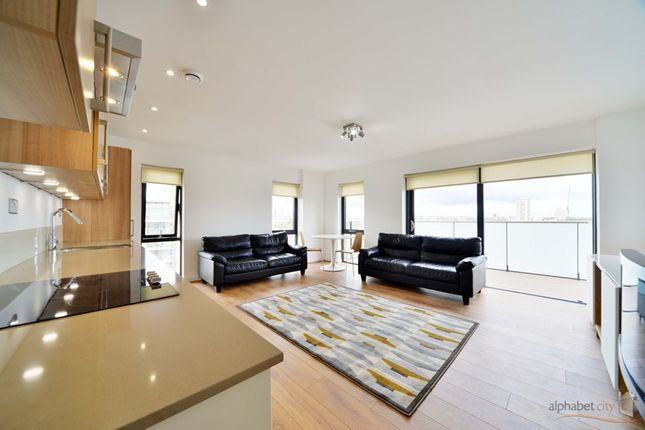 Thumbnail Flat for sale in Cotall Street, London