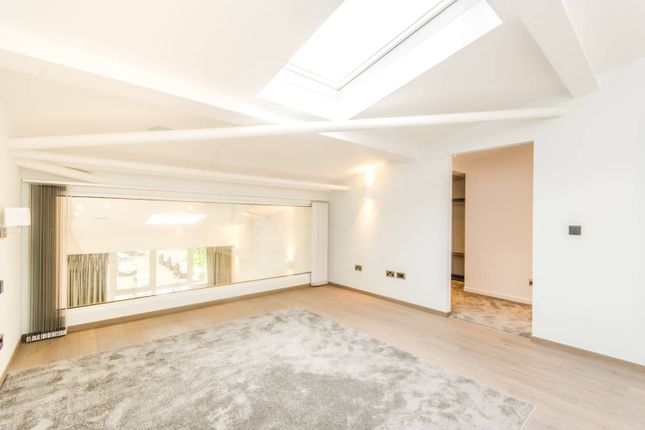 Thumbnail Flat to rent in The Loft House, Fulham