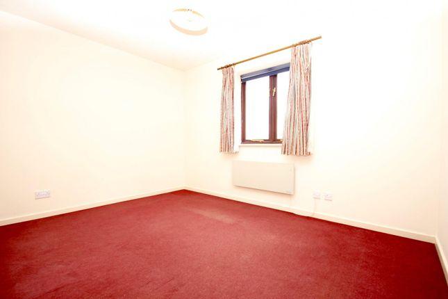 Bedroom 1 of Washford Glen, Didcot OX11