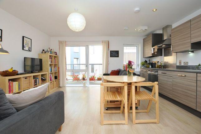 1 bed flat to rent in Geldeston Road, London