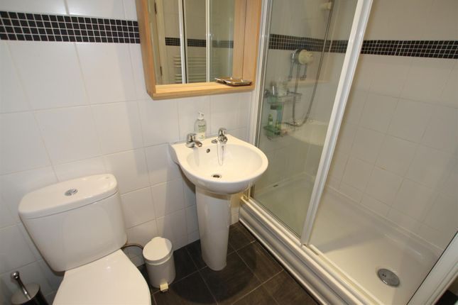 Bathroom of Middle Warehouse, Castle Quay, Manchester M15