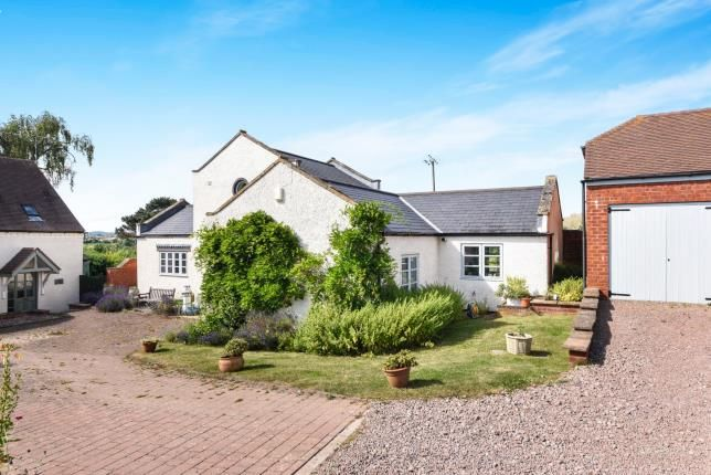 Thumbnail Detached house for sale in Knowle Hill, Evesham, Worcestershire