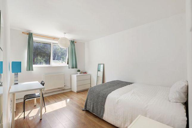 Thumbnail Maisonette to rent in Dennett's Road, London