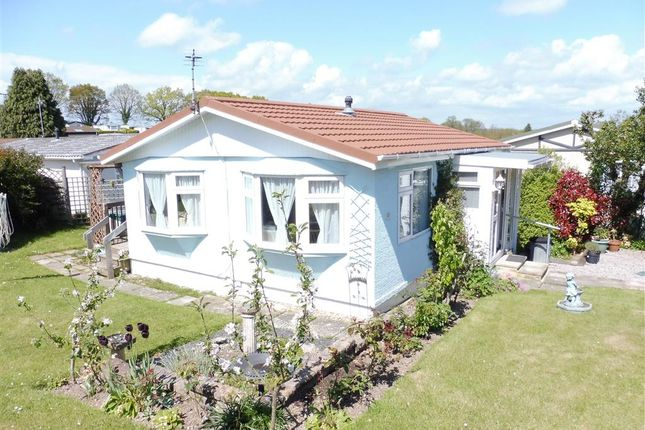Thumbnail Mobile/park home for sale in Orchard View Park, Herstmonceux, Hailsham