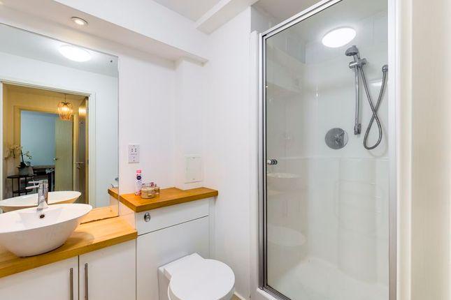 Bathroom of College Hill, Penryn TR10