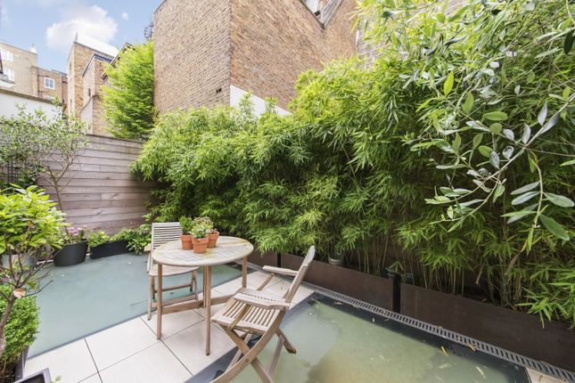 Terrace of Elvaston Mews, London SW7
