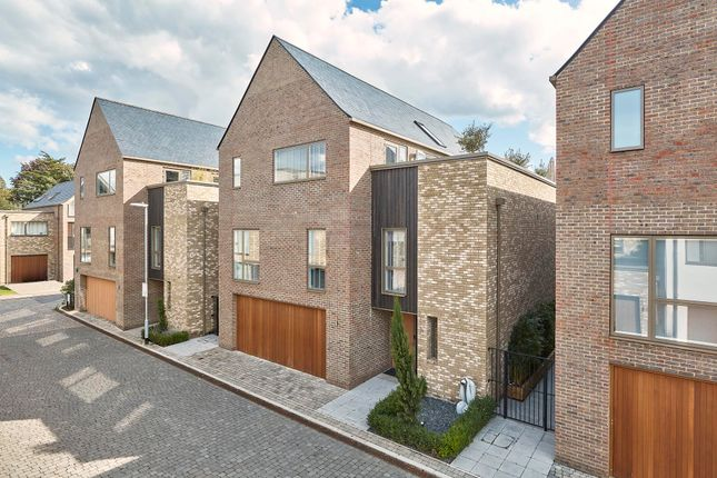 Thumbnail Detached house for sale in Urwin Gardens, Cambridge