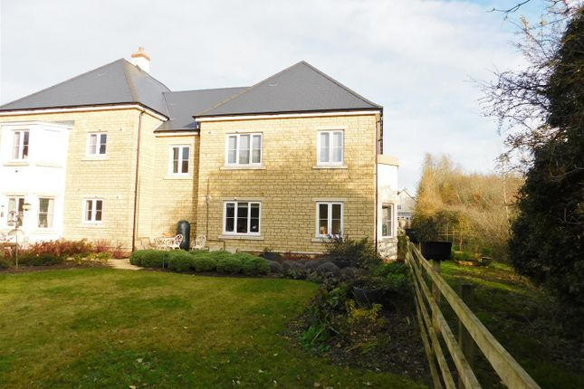 Thumbnail Flat for sale in Station Road, Calne