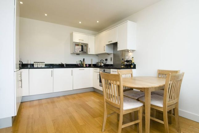 Thumbnail Flat to rent in The Latitude, 130 Clapham Common Southside, London