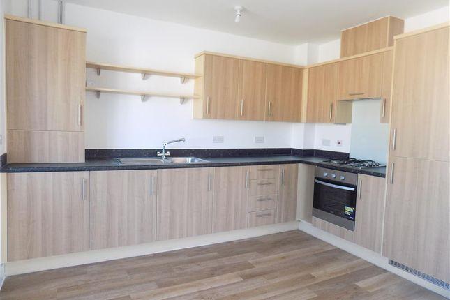Thumbnail Flat to rent in Kensington Way, Polegate