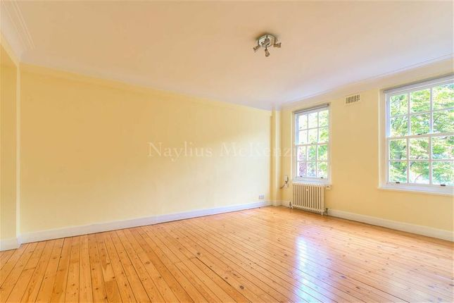 Flat to rent in Eton College Road, Belsize Park, London