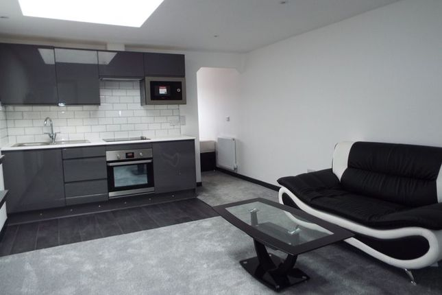 Thumbnail Flat to rent in Rs Apartments, Lindon House, Heeley Road, Birmingham
