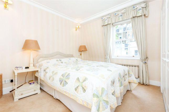 Master Bedroom of Groom Place, Belgravia, London SW1X