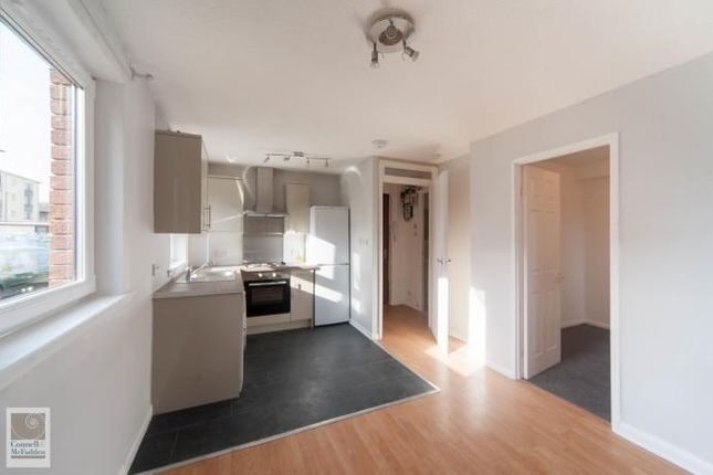 Thumbnail Flat to rent in Laichpark Loan, Edinburgh