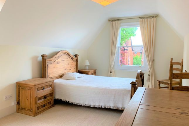 Thumbnail Flat to rent in Shakespeare Road, Bedford, Bedfordshire