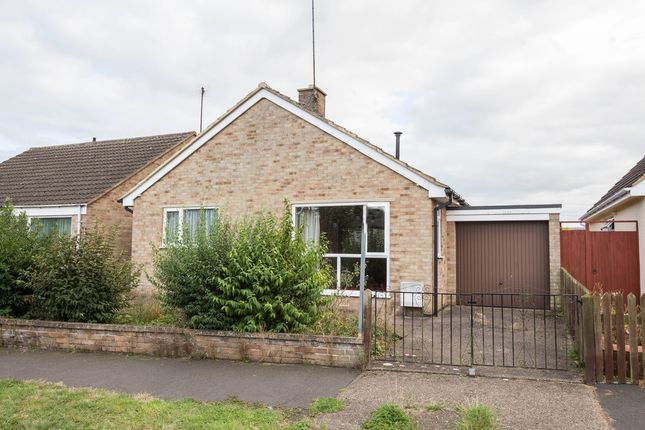3 bed detached bungalow for sale in Stanwick Road, Raunds, Wellingborough