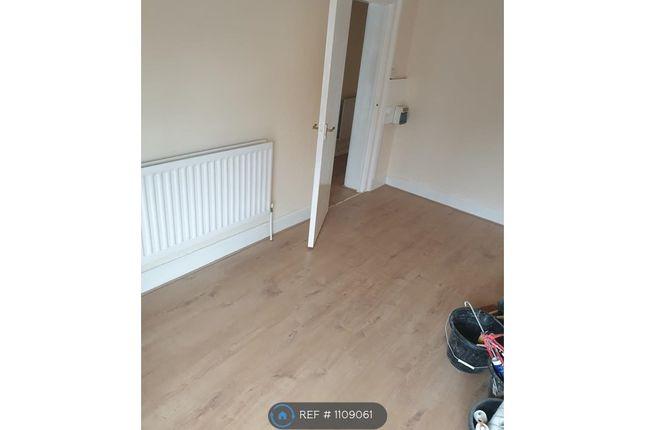 Studio to rent in Burch Road, Northfleet, Gravesend DA11