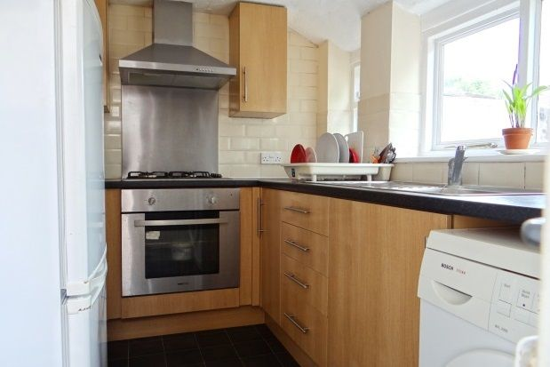 Thumbnail Property to rent in Edmund Road, Southsea