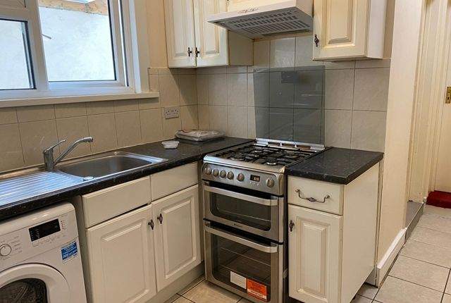 Thumbnail Terraced house to rent in Cedar Road, Addiscombe, Croydon
