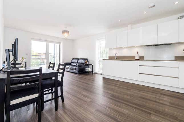 Thumbnail Flat for sale in Jackdaw Close, Romford