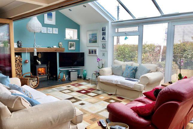 Twcross Living Room1