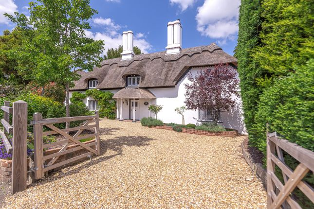 Thumbnail Cottage for sale in Channels Farm Road, Southampton