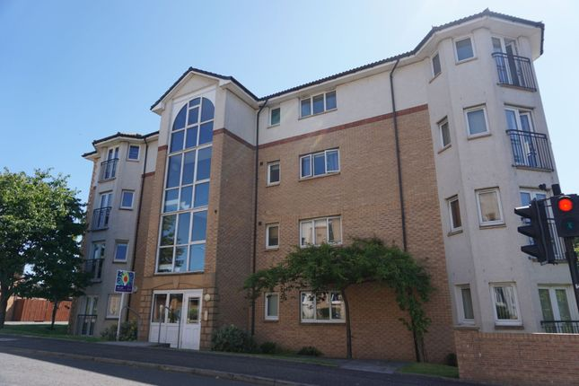 2 bed flat to rent in 2 Highgrove Road, Renfrew PA4