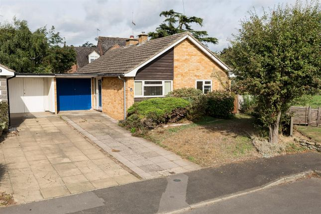 Thumbnail Bungalow for sale in Churchill Close, Ettington, Stratford-Upon-Avon