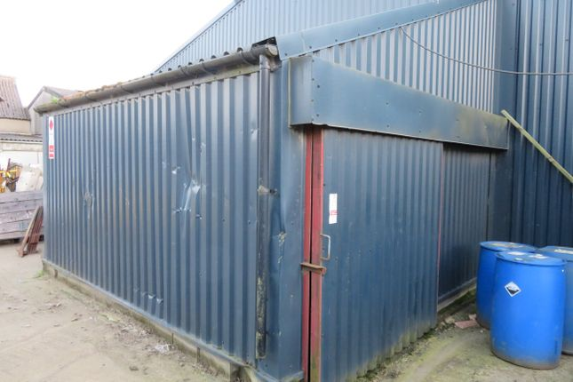 Commercial property to let in Maldon Road, Sandon, Chelmsford