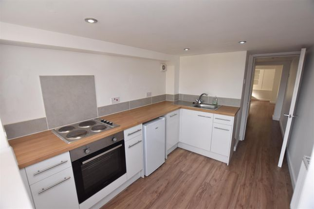 Studio to rent in Hollymount Rd, Worcester, Worcester WR4