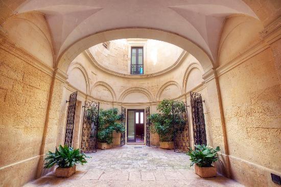 Thumbnail Triplex for sale in Lecce (Town), Lecce, Puglia, Italy